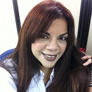 July Hernández. Escritores de hoy, Promoción de autores