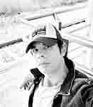 Juan Carlos Sampedro autor de A mil vacaciones de distancia. Editorial Adarve, publicar un libro