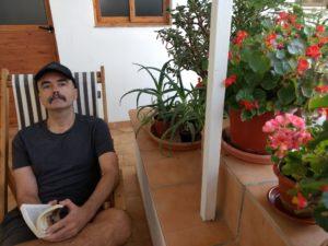 Juanjo Ávila autor de Diario del coronavirus. Editorial Adarve. Publicar un libro