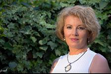 Carmen Muñoz autora del libro Morada Esmeralda. Editorial Adarve. Publicar un libro